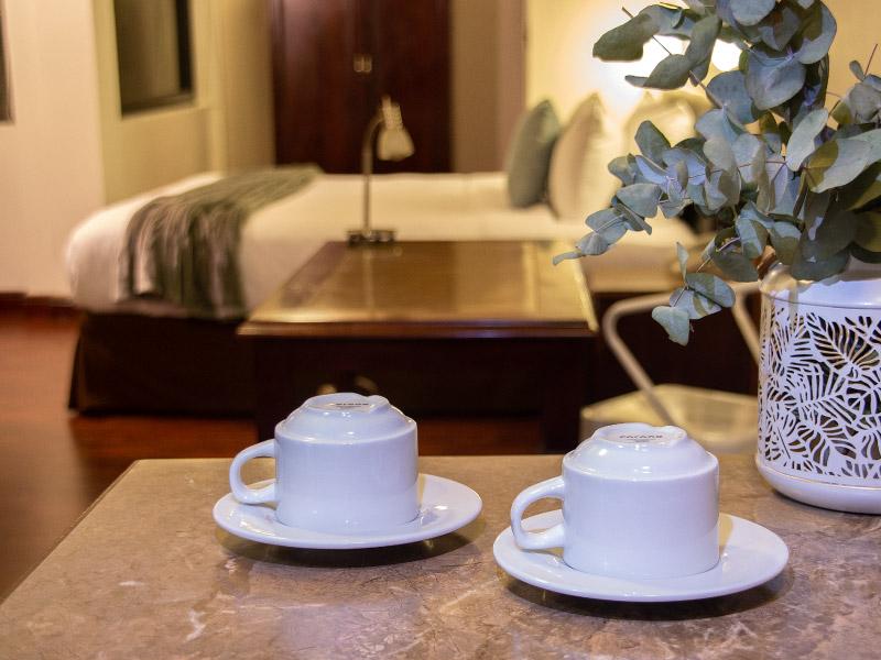 habitaciondisponible-hoteles-enpaseocolon-hotelparquedellago011