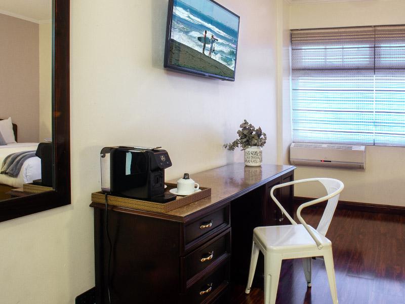habitaciondisponible-hoteles-enpaseocolon-hotelparquedellago05